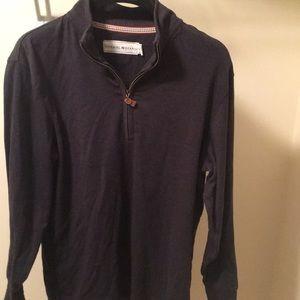 Lightly used men's quarter zip shirt